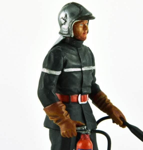 pompier français LE MANS miniatures Figurine 1//18 Jean-Luc